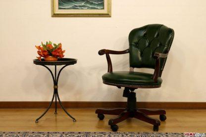 Piccola sedia poltrona da ufficio elegante con girevole