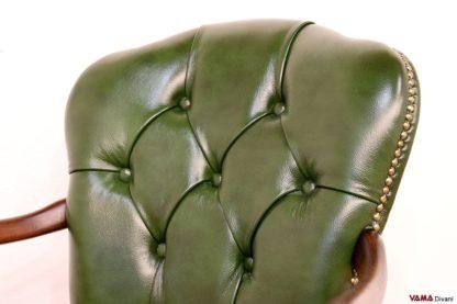 Sedia Poltrona da ufficio verde con schienale capitonnè e girevole