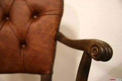 poltrona direzionale classica da ufficio con braccioli in legno