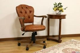 poltrona sedia girevole ufficio classica imbottita in pelle