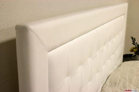 Letto in pelle bianco moderno con testata a quadri