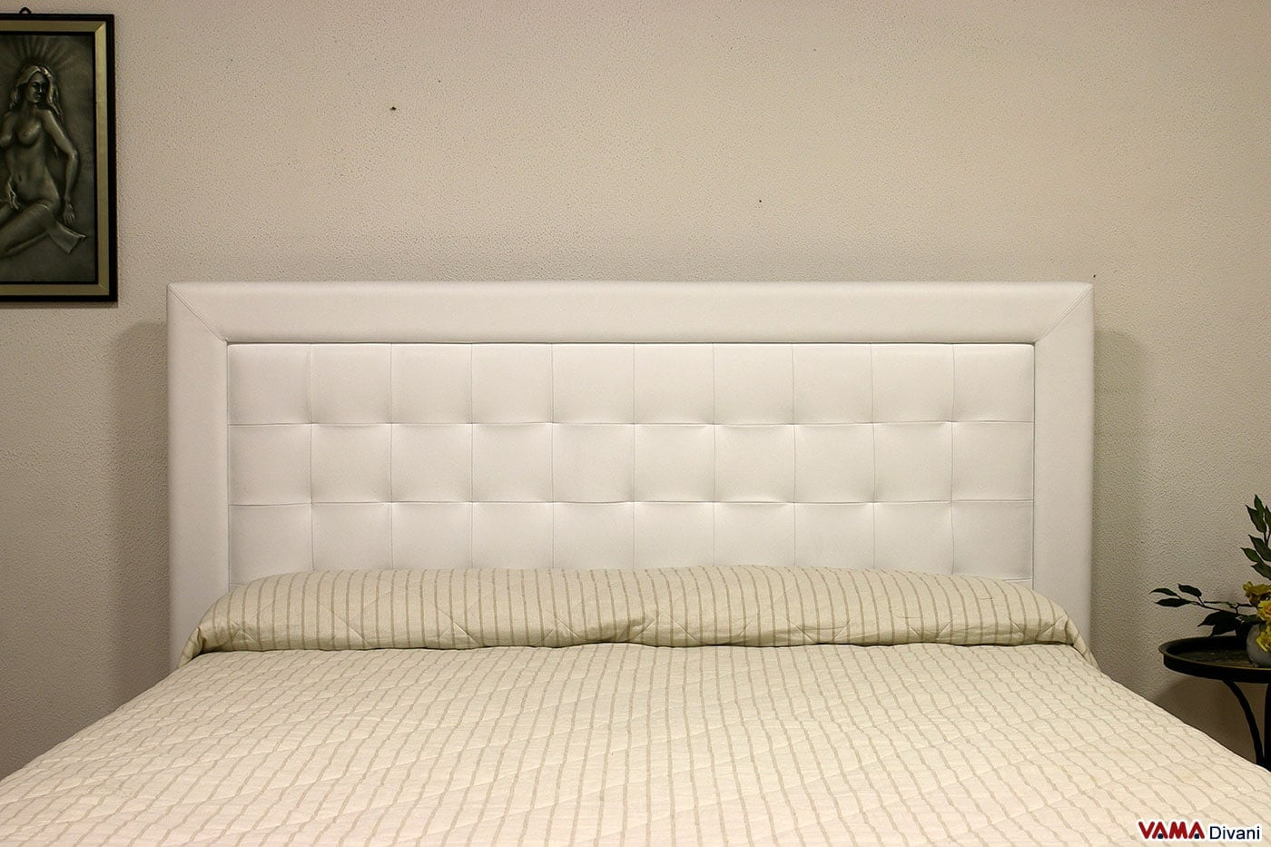 Letto moderno in pelle luisa vama divani - Imbottitura testata letto ...