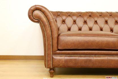 Bracciolo curvo del divano Chesterfield