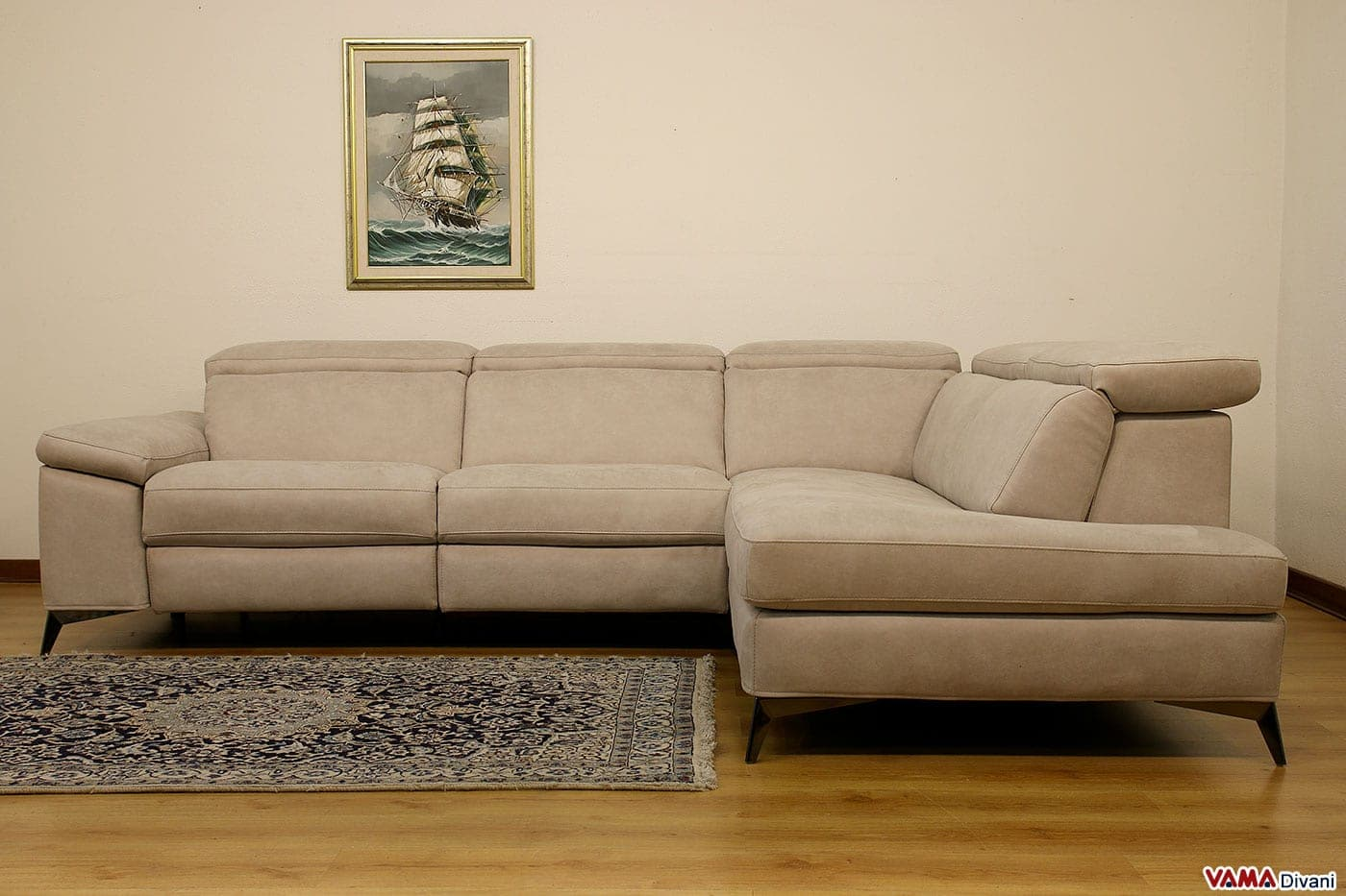 Awesome divano con chaise longue images acrylicgiftware for Chaise longue relax pliante