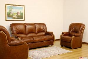 Salotto classico legno e pelle con schienale alto