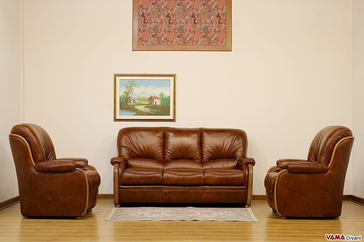 Fabulous divano e poltrone in pelle e legno con schienale for Poltrone finta pelle