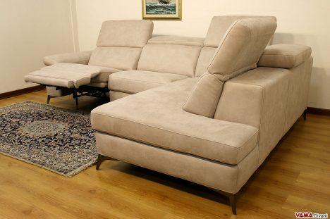 Divano relax ad angolo con poggiatesta reclinabili in tessuto sf