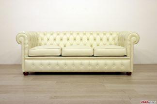 Piccolo divano Chesterfield 3 posti