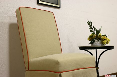 Sedia vestita con gonnellina da cerimonia