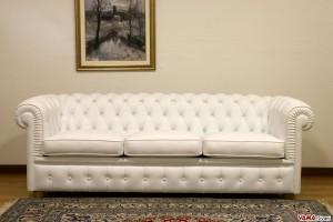 divano chester piccolo bianco dimensioni ridotte 3 posti
