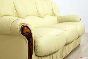 divano in pelle rustico in legno per taverna