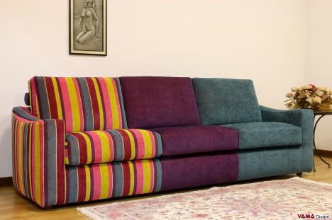 divano multicolore moderno con tessuti diversi
