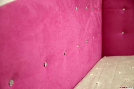 letto rosa con testate imbottite nuvola onda