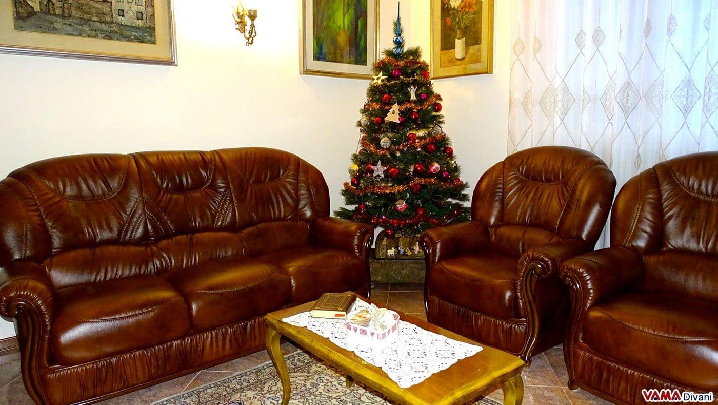 Divano marrone scuro abbinamenti divano marrone scuro for Divano marrone