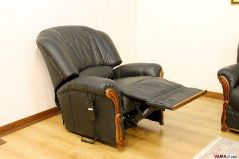 Poltrona relax elettrica in offerta nera in pelle e legno