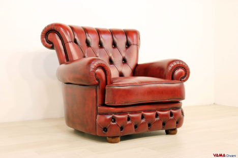 Poltrona vintage stile Chesterfield in pelle