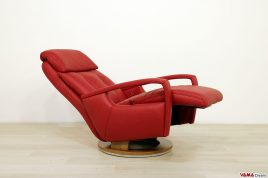 Poltrona relax moderna con poggiapiedi e schienale alto