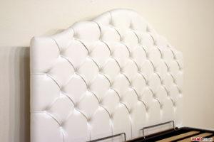 Testata letto bianca classica con bottoni