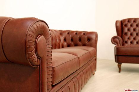 Bracciolo divano Chesterfield in offerta in vera pelle marrone