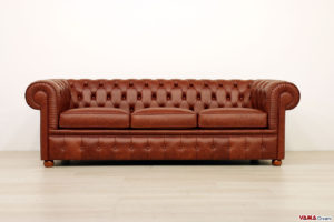 Divano Chesterfield 3 posti marrone vintage
