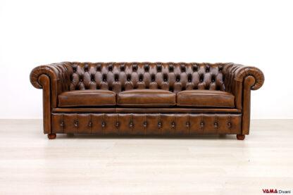 Divano Chester classico 3 posti marrone vintage