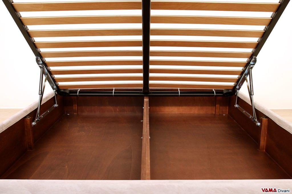 Letto contenitore interno in legno verniciato