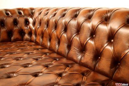 Seduta capitonnè del divano Chester