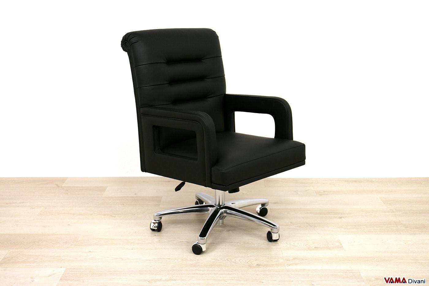 Sedia ufficio in vera pelle nera con girevole in acciaio cromato