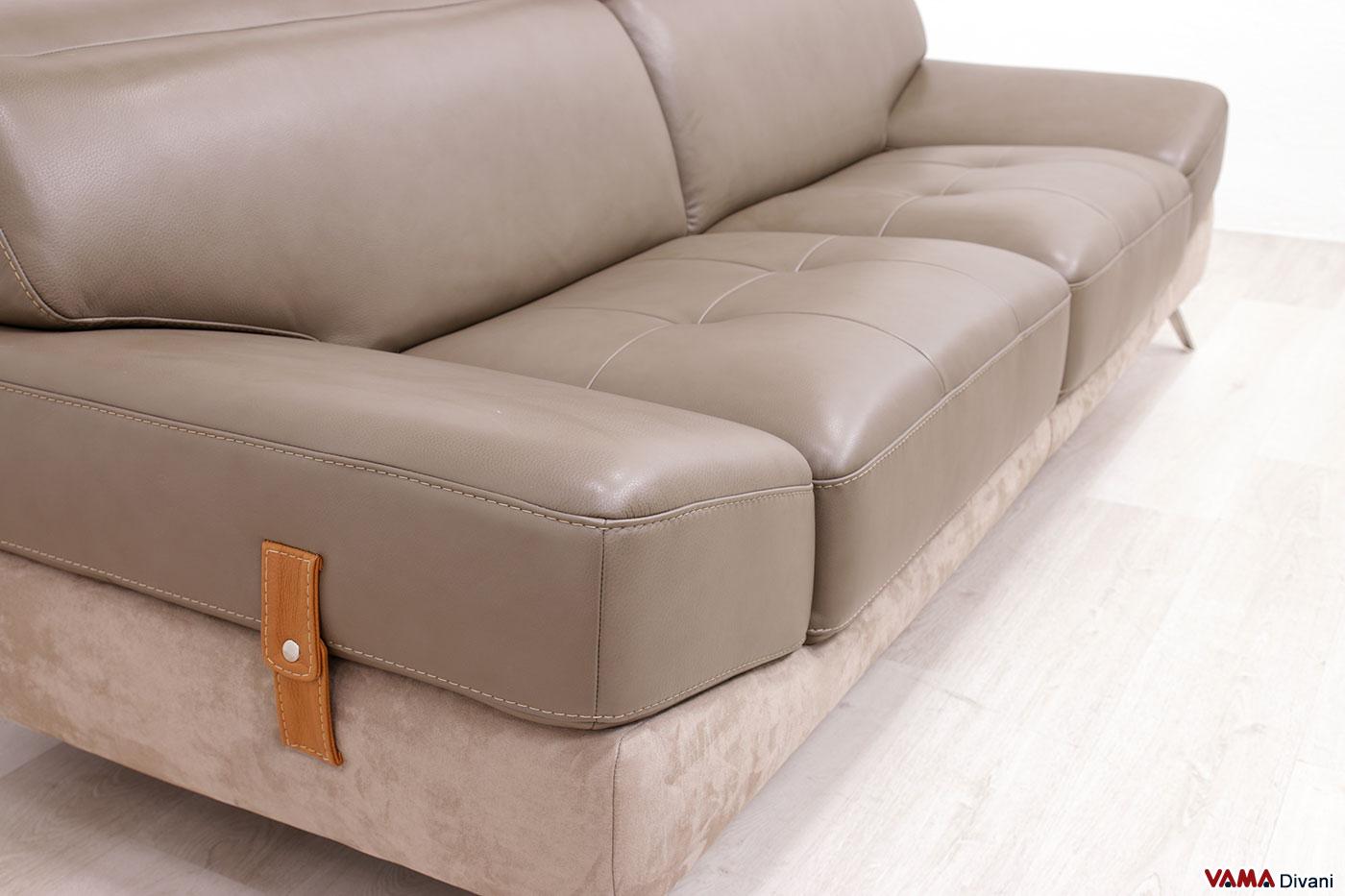 Divano moderno 3 posti in pelle e microfibra con seduta trapuntata