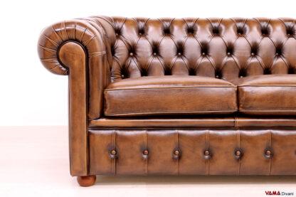 Bracciolo divano Chester classico inglese in pelle marrone vintage