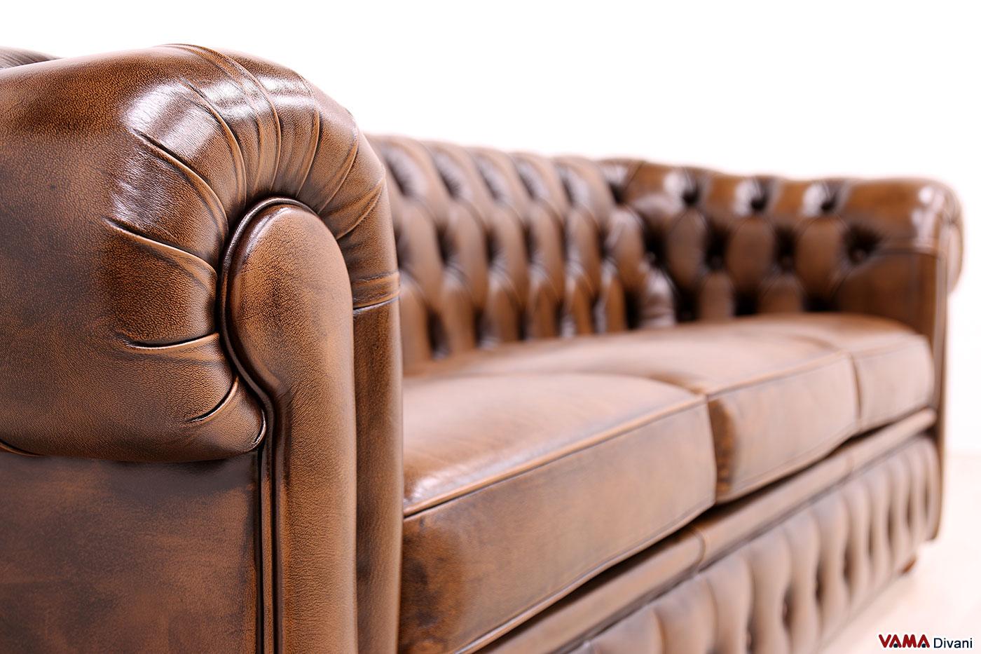 Bracciolo divano Chesterfield classico inglese