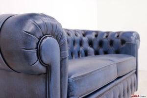 Bracciolo divano Chester 2 posti blu vintage