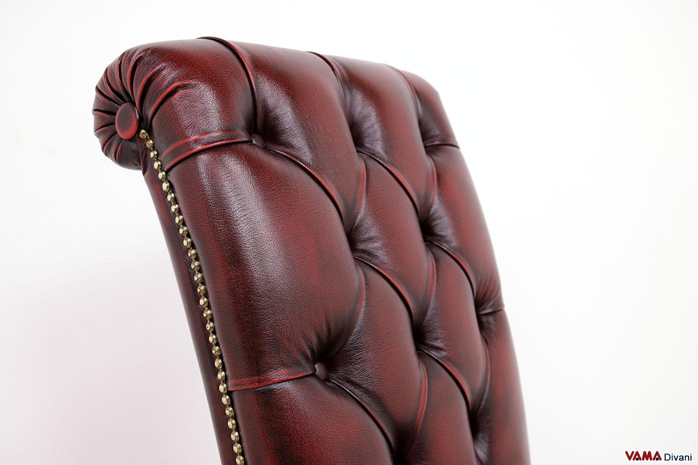 Schienale sedia capitonné imbottito con finiture in ottone