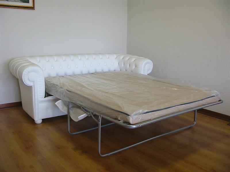 Divano chesterfield 2 posti maxi con due cuscini large for Divani letto in pelle