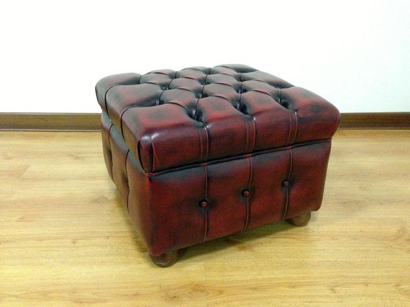 pouf chesterfield in pelle realizzabile anche su misura. Black Bedroom Furniture Sets. Home Design Ideas