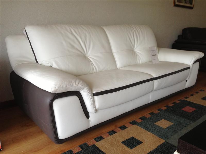 Divani in offerta occasioni di divani letto in pronta consegna - Divani letto in pelle offerte ...