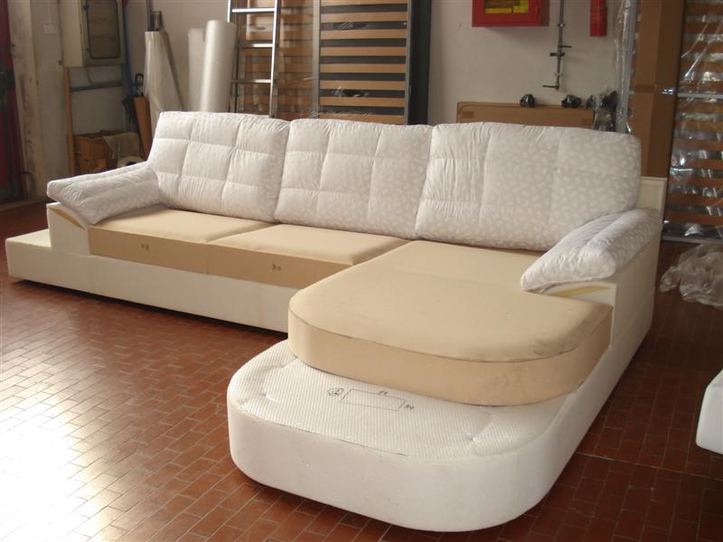 Mondo convenienza divani angolari in tessuto