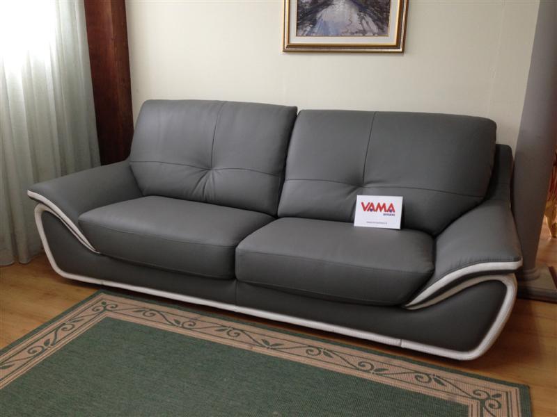 Divani in offerta occasioni di divani letto in pronta for Divano pelle 3 posti