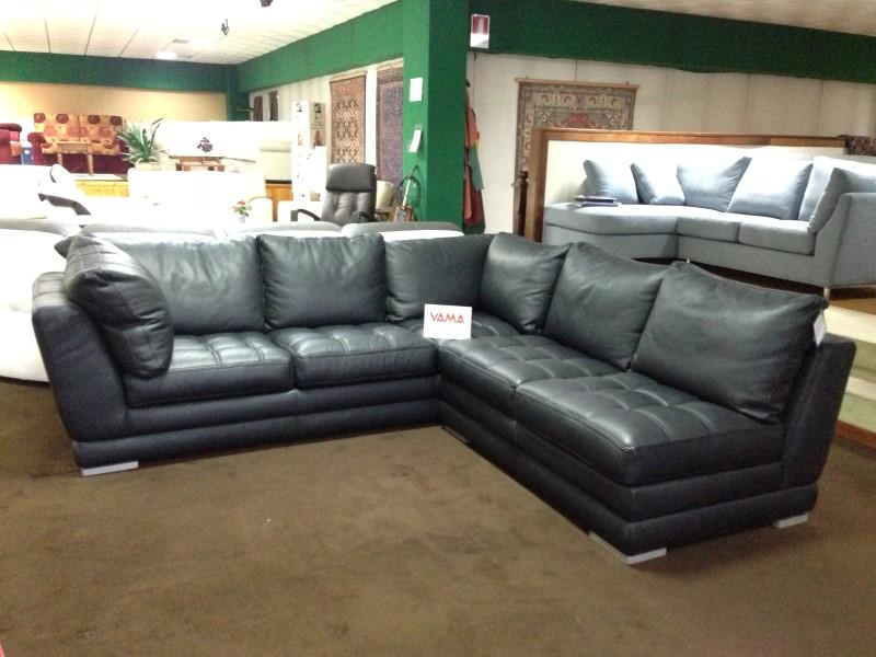 Divani in offerta occasioni di divani letto in pronta consegna - Copridivano angolare per divano in pelle ...