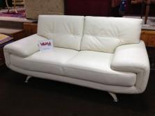 divano moderno in pelle colore panna (1)